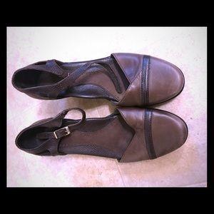 Cute Dansko heels sz 36, US 6